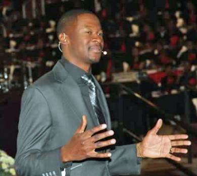 Emmanuel Makandiwa (Photo courtesy of the Sunday Mail)